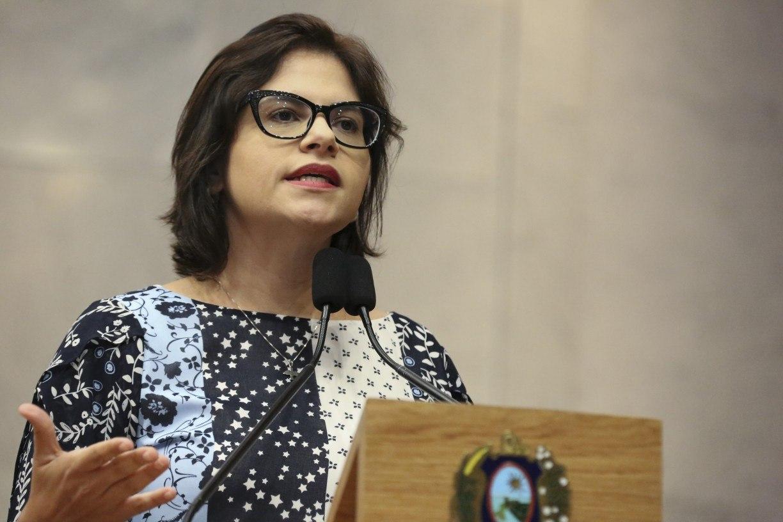 Covid-19: Priscila Krause critica Prefeitura do Recife por deixar 122 ventiladores pulmonares parados