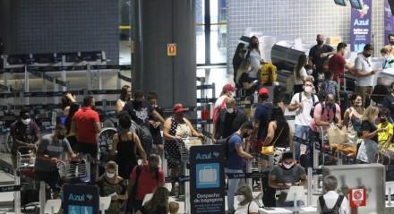 Movimentação grande de vôos e passageiros para as festas de Fim de Ano, no Aeroporto Internacional do Recife/Gilberto Freire.