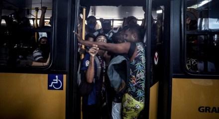 A volta para casa no primeiro dia de greve dos rodoviários
