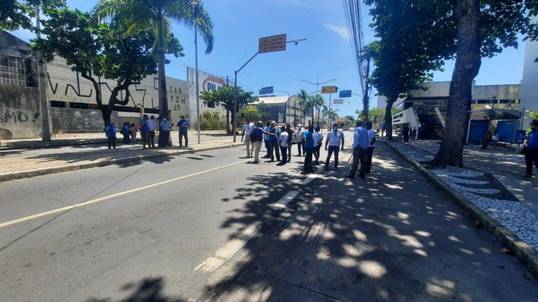 Grupo protesta contra reestruturação de Zonas Especiais de Interesse Social do Recife