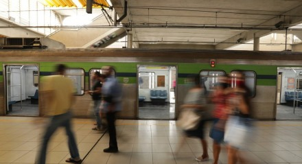 Linha Centro do Metrô do Recife tem atraso nas viagens após tentativa de roubo de cabos