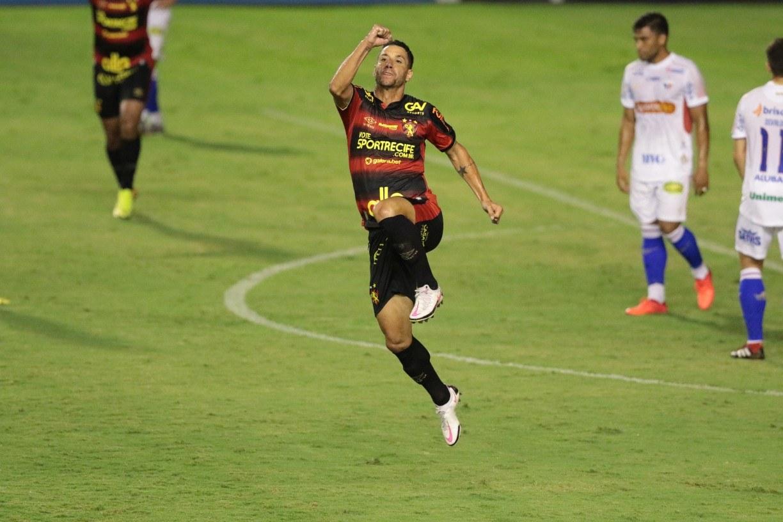 Depois de garantir mais uma vitória para o Sport, Thiago Neves afirma que está