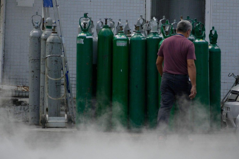 Após precisar transferir pacientes com covid-19, cidade do Agreste de Pernambuco recebe cilindros de oxigênio