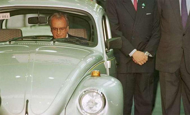 Morre Alex Periscinoto, o publicitário que popularizou o Fusca como carro econômico