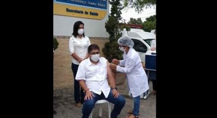 Vice-prefeito de Sairé, Dr. Marcílio, foi vacinado contra a covid-19