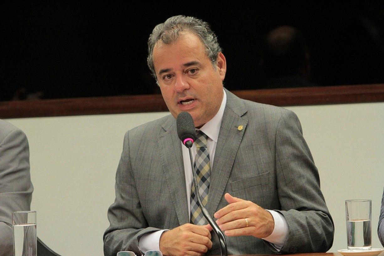 Projeto que estabelece regras para o retorno às aulas presenciais é aprovado na Comissão de Educação da Câmara