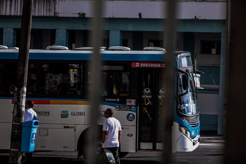 Como esperado, passagens dos ônibus do Grande Recife vão subir 8,7% a partir de domingo (7). Anel A custará R$ 3,75