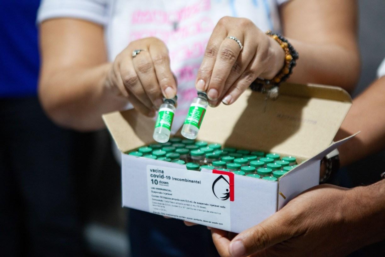 Covid-19: chegam a Pernambuco mais 82 mil doses da vacina da AstraZeneca