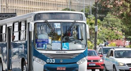 Aumento na tarifa dos ônibus entrou em vigor neste domingo (7)