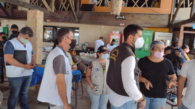 Bares em Porto de Galinhas são autuados após Procon-PE identificar irregularidades