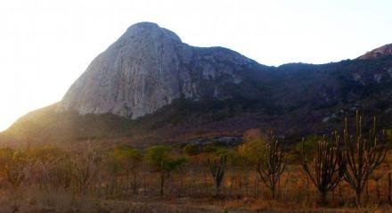 A imponente Pedra do Cachorro em São Caetano
