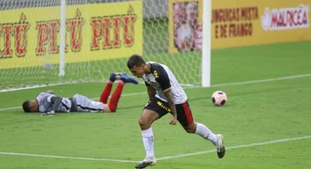 Lances do jogo de futebol Sport X Vera Cruz, válido pelo Campeonato Pernambucano, na Arena Pernambuco.