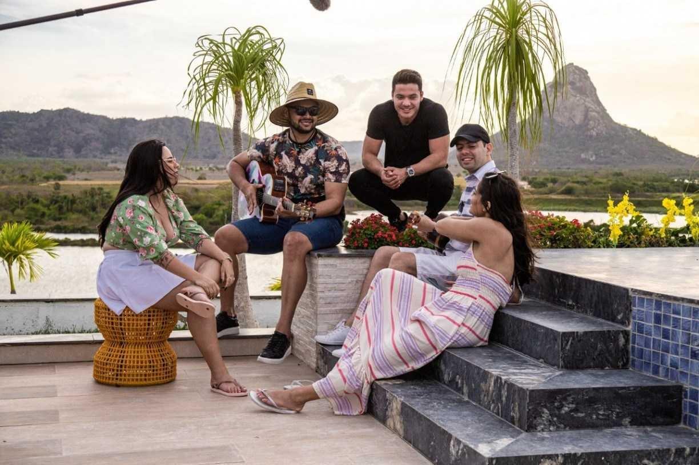 Wesley Safadão mostra como fazer um sucesso no reality 'Hit Estourado'