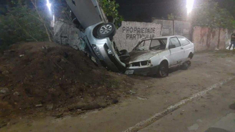 Casal morre após capotamento em Paulista, no Grande Recife