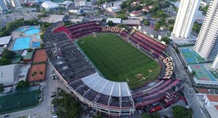 Vista aérea do Estádio da Ilha do Retiro, campo do Sport Futebol Club.