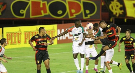 Lances do jogo de futebol entre Sport X Salgueiro, válido pelo Campeonato Pernambucano, no Estádio da Ilha do Retiro