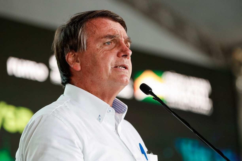 Bolsonaro diz que Fachin é ligado ao PT e que povo não quer Lula candidato