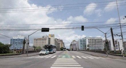 Centro do Recife vazio neste sábado (6)