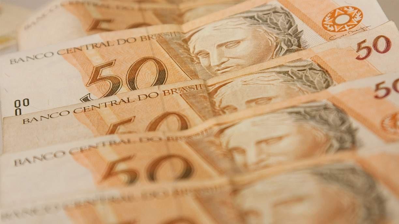 Levantamento do TCU calcula que cerca de R$ 30 bilhões de auxílio emergencial foram pagos indevidamente em 2020