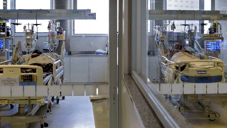 Distrito Federal teve mais de 400 pessoas em espera por leito de UTI e dezenas de corpos amontoados em hospitais