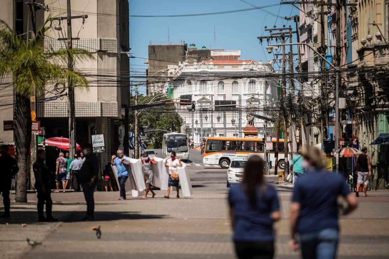 Decreto amplia lista de atividades permitidas durante período de restrições mais rígidas em Pernambuco; confira
