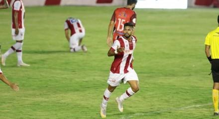 Lances do jogo entre os times do Náutico e Vera Cruz válido pela Campeonato Pernambucano de Futebol 2021. Jogo realizado no estádio dos Aflitos no Recife.