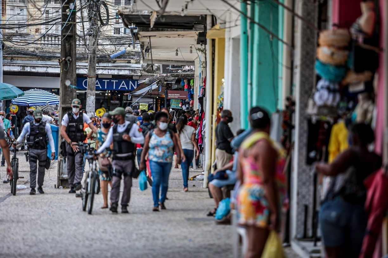 Pernambuco prorroga restrições de comércio e atividades econômicas