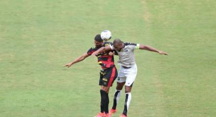 Lances do jogo entre os times do Sport e Ceará válido pela Copa do Nordeste 2021. Jogo realizado no estádio do da Ilha do Retiro no Recife.