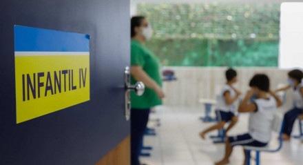 05.04.21 - EDUCAÇÃO - Escolas da rede privada retornam aulas presencias em Pernambuco