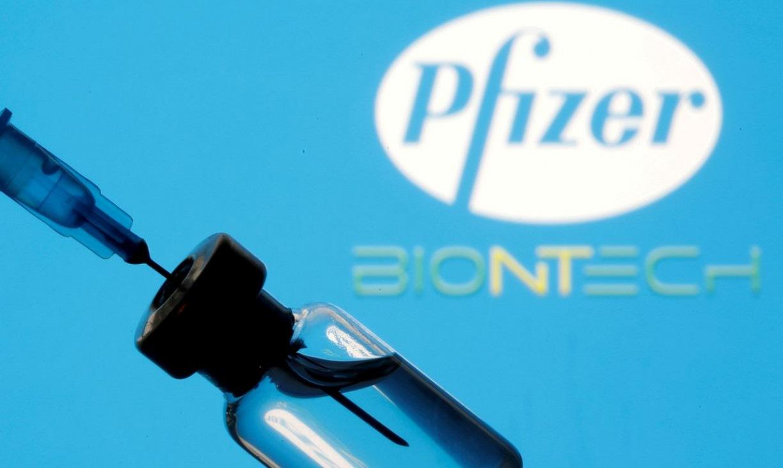 Bolsonaro pede que Pfizer antecipe entrega de doses de vacina