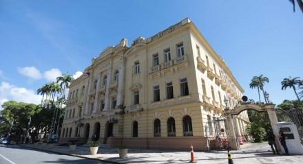 Palácio do Campo das Princesas é a sede administrativa do poder executivo de Pernambuco, localizado na cidade do Recife. Localiza-se no bairro de Santo Antônio (Ilha de Antônio Vaz), na Praça da República, próximo ao Teatro de Santa Isabel e ao Palácio da Justiça.
