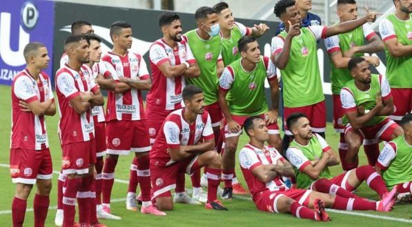 Segundo gol de Kieza no jogo de futebol entre os times do Náutico e Santa Cruz válido pela semi final do Campeonato Pernambucano de Futebol 2021. Partida realizada na Arena de Pernambuco, em São Lourenço da Mata (PE).