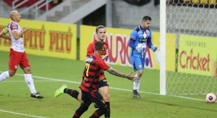 Maidana marcou o gol que salvou o Sport de uma disputa de pênaltis