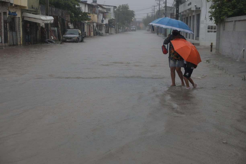 Entenda o fenômeno meteorológico que causou as fortes chuvas no Grande Recife nesta quinta (13)
