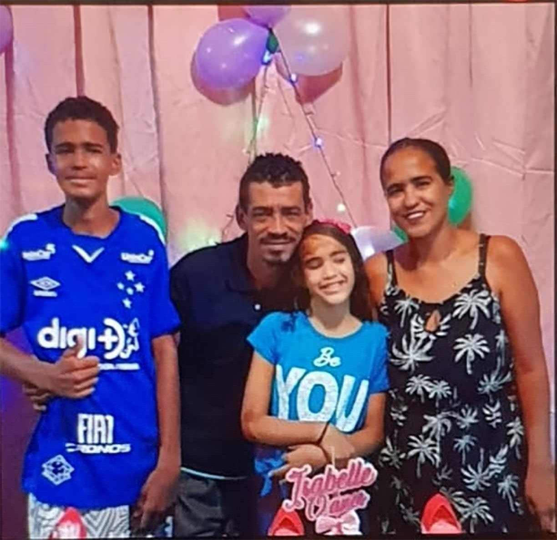 Corpos de família vítima de deslizamento de barreira em Jaboatão serão sepultados neste domingo