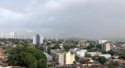 A Apac prevê, para esta segunda-feira (31), céu parcialmente nublado com pancadas de chuva de forma isolada no período da noite com intensidade moderada a forte na Região Metropolitana do Recife
