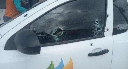 O homem foi alvejado por tiros de arma de fogo