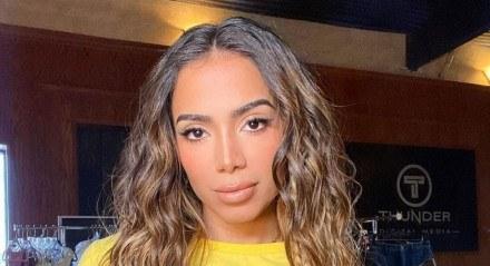 Anitta concorre no MTV MIAW 2021 na categoria Poderosa do Ano