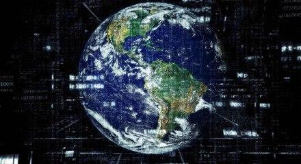 Sites de todo o mundo enfrentaram problemas na manhã desta terça-feira (8)