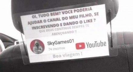 Pai ajuda filho a realizar o sonho de ser famoso por fazer vídeos no YouTube.