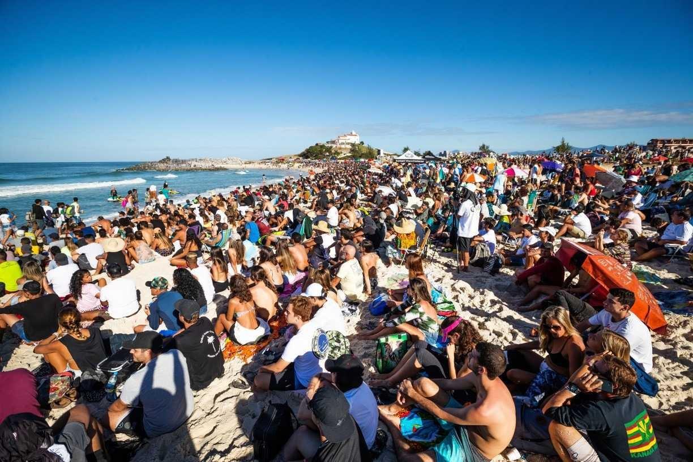 Descontrole da Covid-19 no Brasil faz WSL cancelar etapa brasileira