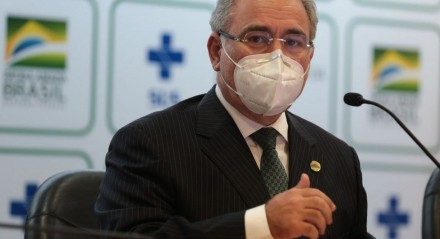 O ministro da Saúde, Marcelo Queiroga, falou durante coletiva de imprensa, sobre a antecipação de novos lotes de vacina contra a covid-19.