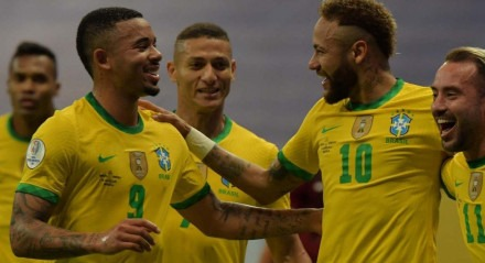 Neymar fez um dos gols do Brasil na vitória contra a Copa América pelas Eliminatórias