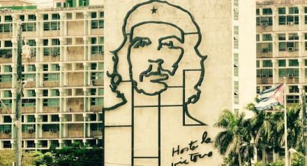 Um amigo, num desses inumeráveis grupos de WhatsApp, postou comemoração ao nascimento de Che Guevara. Rebati, provocativamente: