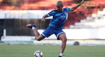 Volante Everton Dias fez sua estreia na última segunda-feira, contra o Ferroviário