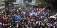 Manifestantes protestam contra Jair Bolsonaro em São Paulo