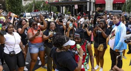 Comunidade negra celebra feriado que lembra o fim da escravidão nos EUA