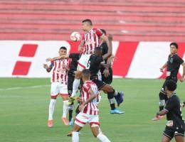 Lances do jogo de futebol Náutico X Botafogo, válido pelo Brasileirão da Série B, no Estádio dos Aflitos.
