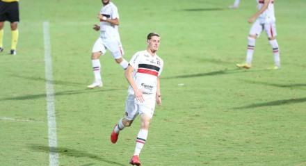 Lances do jogo de futebol Santa Cruz X Jacupiense, válido pelo Campeonato Brasileiro da Série C, no Estádio do Arruda.