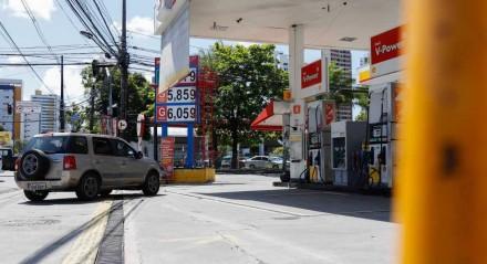 POSTOS - Recife e Olinda amanhece com mais um aumento no valor da gasolina